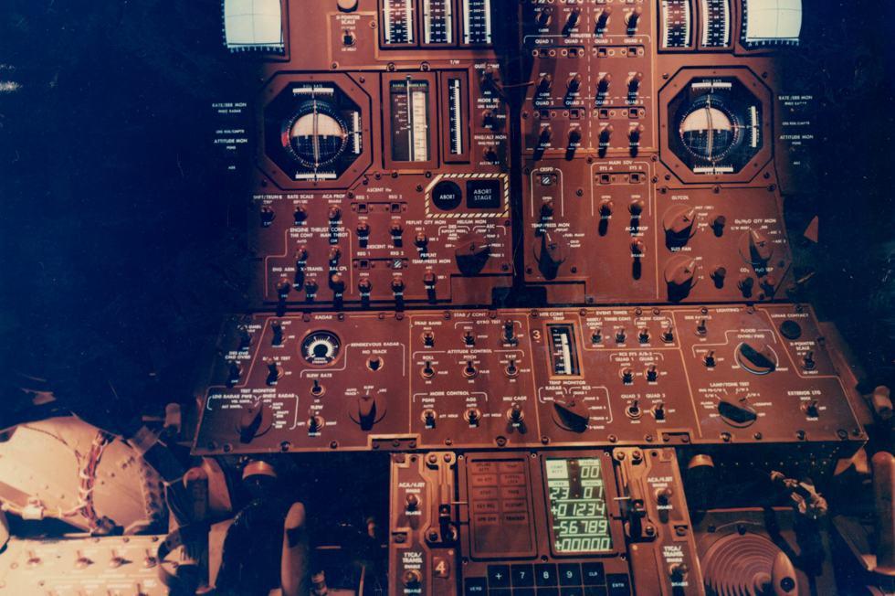 LM-Panel-Sept1968-001