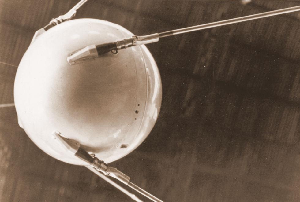 sputnik1-mockup